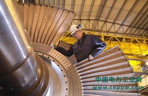 高井电厂的绿色心脏就是由GE提供的蒸汽联合循环热电机组。